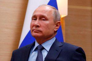 Глядя на факты, но путинские 20 лет прошли не то чтобы бездарно, а «по вредительски» грамотно