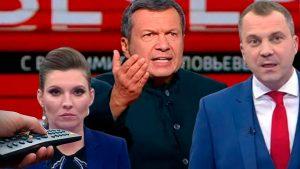 В чём дело? Почему на российском телевиденье во всех политических ток-шоу так много обсуждают Украину
