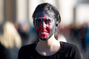 Неолиберализм это западная идея против человеческих качеств, которая захлестнула Россию
